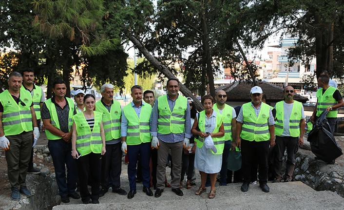 Toroslar Belediyesi Temizlik Gününe Yumuktepe'den Başladı