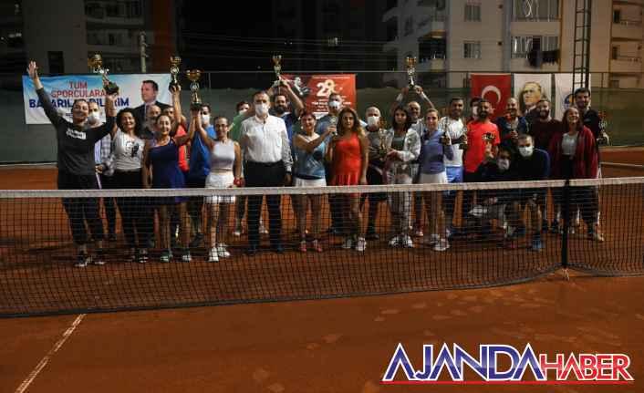 Cumhuriyet Tenis Turnuvası Sona erdi.