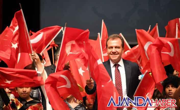 """Vahap Seçer, """"29 Ekim Cumhuriyet Bayramı"""" dolayısıyla bir mesaj yayınladı."""