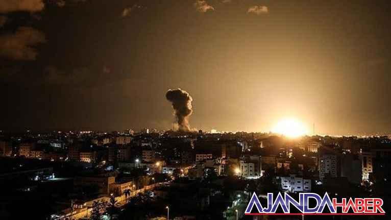 Gazze'ye bu sefer havadan saldırdı.