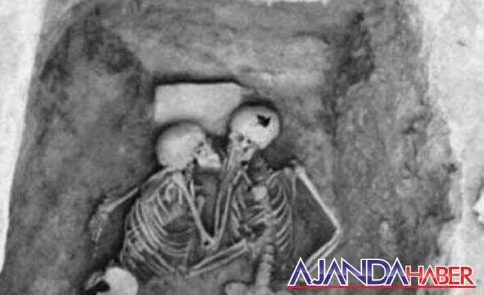 2 bin 800 senelik veda öpücüğü...