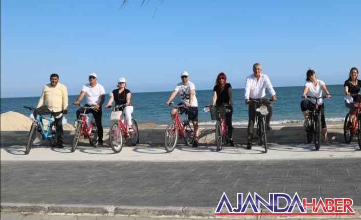 BaşkanTarhan ve Müdürler Bisiklete Bindi