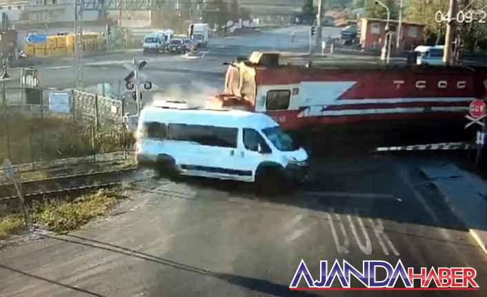Tren kazasında 7 kişinin can verdi