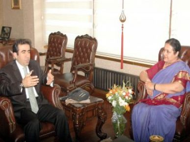 Hindistan'ın Ankara Büyükelçisi Vali Güzeloğlu Ziyaret Etti