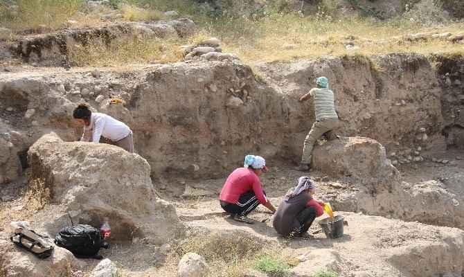 Mersin'de 9 Bin Yıllık Yumuktepe'de Kazılar Başladı