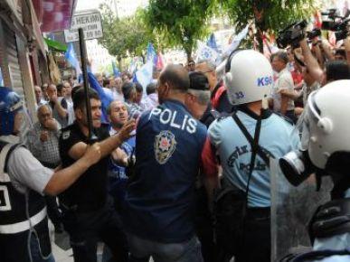 Mersin'deki Memur Eyleminde Olay