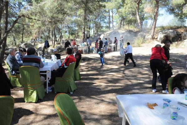 Orman haftasında sağlıklı yaşam yürüyüşü ve piknik etkinliği
