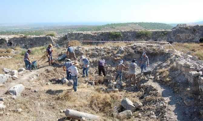 Silifke Kalesinde Kazı Ve Restorasyon Çalışması Başladı
