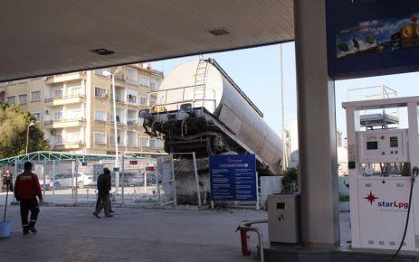 Tehlikeli Manevra, Vagon Raydan Çıktı