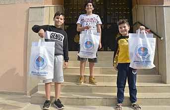 Yenişehir Belediyesinden çocuklara 23 Nisan hediyesi