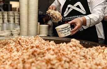Büyükşehir'den 71 günde 400 bin paket yemek