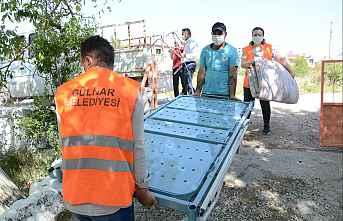 Gülnar belediyesi köprü olmaya devam ediyor