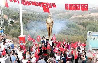 Akdeniz'den 97.Yıla Atatürk Heykeli