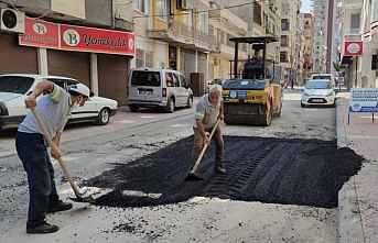 Akdeniz'de asfalt yama ve yol açma çalışmaları