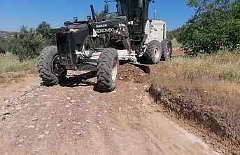 Gülnar Belediyesi Yol Bakım Çalışmalarına devam ediyor