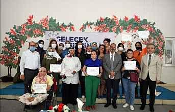 Sanat Akademisi sertifikaları verildi.