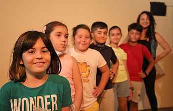 Mezitli Çocuk Tiyatrosunda eğitimler devam