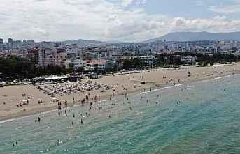 Samsun'un Mavi bayraklı plajları doldu