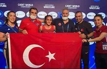 Selvi İlyasoğlu dünya şampiyonu oldu