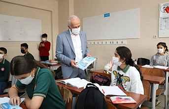 Akdeniz Belediyesi, Üniversiteliye destek